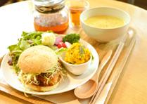 テンペカツバーガー +スープ+五行茶