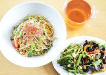 五香粉香る豆豉トマト醤麺と薬膳デリプレート_1905
